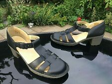 Dr. Martens 11887 black smooth leather t-bar closed in sandals UK 7 EU 41 US 9