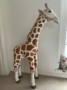 Steiff Studio Giraffe 502170 - Like New, Perfect Condition