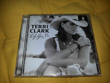CD / TERRI CLARK / LIFE GOES ON / COUNTRY