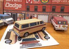 Papercraft PLYMOUTH VOYAGER VAN 1974-1977 PaperCar  E Z U-build toy model van