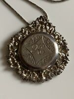 Stunning Vintage Fully Hallmarked Solid Sterling Silver Locket & Chain