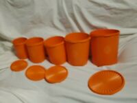 Vintage Tupperware 1339-5 Set Of 5 With 4 Lids Excellent Condition (9 PIECES)