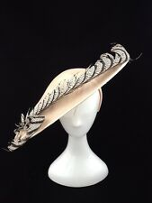 CREAM SINAMAY FASCINATOR WITH FEATHER DETAILING CODE: FMC06