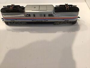 Tyco HO GG1 Locomotive 905 and 4 Coaches