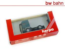 Herpa H0 143240 DAF 95 Solo-Zugmaschine, türkis
