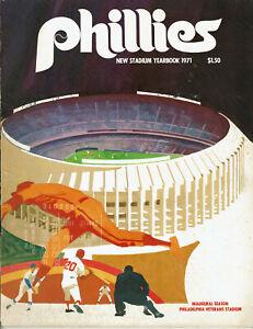 1971 Philadelphia Phillies Veterans New Stadium Yearbook