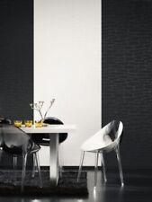 Einfarbige Tapeten im Landhaus-Stil mit Steinoptik