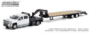 GREENLIGHT 1/64 WHITE&BLACK CHEVROLET SILVERADO 3500HD GOOSE NECK TRAILER DCP