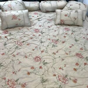"""Macy's 7 Piece Embroidered Room Ensemble Rose Bed In A Bag Set QUEEN 90"""" x 90"""""""