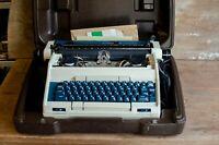 Vintage Smith Corona Electric Typewriter with Hard Case - Works (needs ribbon)