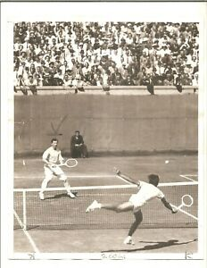 1937 8x10 Type I Don Budge in action, U. S. Open Forest Hills
