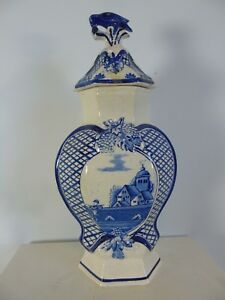 Holländische Deckelvase mit blauem Dekor Ca. 1900