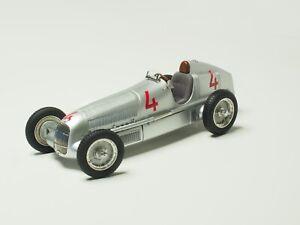CMC 1:18 SCALE  M-104 Mercedes-Benz W25 1935 GP Monaco # 4 Luigi Fagioli ITALY