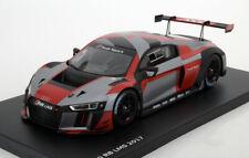 Spark Audi R8 LMS Team Audi Sport Presentation 2017 Dealer Edition 1/18 Scale