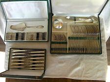 importante ménagère en métal argenté de style Louis XV 63 pièces très bon état