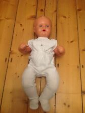 Alte Schildkröt Baby Puppe