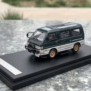 1/64 Scale Mitsubishi DELICA L300 Green Car Model Resin Collection Toy Gift