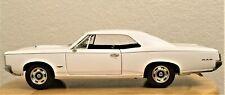 ERTL 1966 PONTIAC GTO WHITE & BLACK 1:18 DIE CAST 1 OF 2,500 COPIES