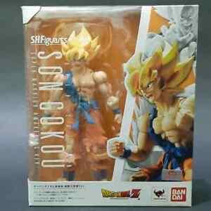 S.H.Figuarts Dragon Ball Z Super Saiyan SON GOKU Warrior Awakening 2015