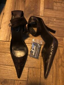 Schuh Size 7 Brown Sandals Closed Toe