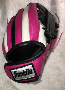 Franklin RTP 8.5 N Girls Softball Glove Hot Pink Black White Fuzzy Wrist