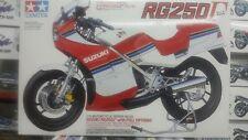 Tamiya 1/12 Suzuki RG250 Kit De Motocicleta Modelo de opción completo Gamma #14029