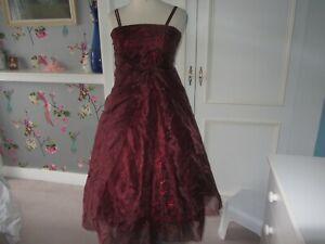 Girls formal wedding/prom dress in wine red organza 12 years