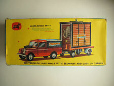 MINT COMPLETE Corgi Chipperfields Land Rover w/Circus Trailer/Elephant Model 19A