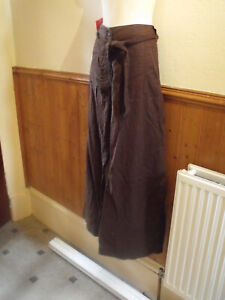 BRAND NEW GREAT UNIVERSAL BROWN TROUSERS SIZE 22S