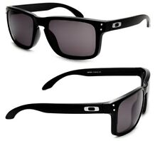 NEW AUTHENTIC Oakley Holbrook sunglasses Matte Black Warm Grey oo9102-01