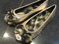 Juicy Couture New & Genuine Girls Gold Canvas Pumps Size UK 12 EU 31 With Logo