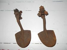 Antique Vintage Cast Iron Rusty Wagon Buggy Spade Style Surry Foot Step Plate
