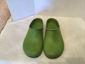 Sloggers Size 7 Green Clogs Rubberized Garden Shoes Slip on Outdoor