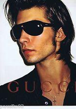 PUBLICITE ADVERTISING 115 2001 Gucci lunettes de soleil