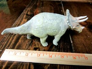 """Carnegie Collection dinosaur """"original"""" 1988 gray toned Triceratops"""