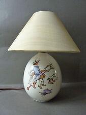 lampe en céramique, décor enfants style XIX, jouets, cheval de bois, poupée,