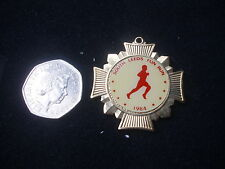 Original Sud Leeds Fun Run 06/05/84 concurrents badge / médaille
