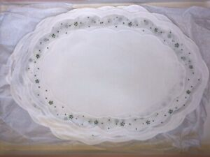12 LERON LINEN WHITE ORGANDY AND LINEN PLACEMATS W GREEN FLORAL HAND EMBROIDERY