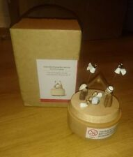 Rare Bnib Wooderful Life Musical Box Nativity Away In A Manger Christmas music