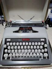 1960 Vintage Royal Futura 800 Dark & Light Gray Typewriter w/ Leather Case