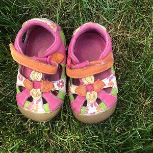Multicolor Stride rite girl leather sandals size 4M