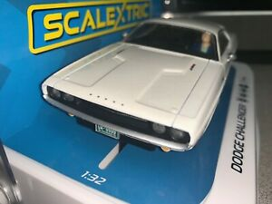 1 32 SCALEXTRIC C3935 Dodge Challenger WHITE STREET CAR DISCT'D slot car