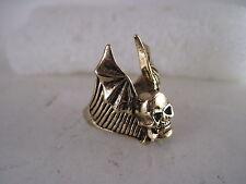 Winged  Skull ring size   11    (3jn5  15 )