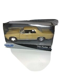 Welly 1965 Pontiac GTO Die Cast With Plastic Parts Opening Doors & Bonnet