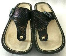 ALEGRIA Carina GEMBOREE WM 7 - 7.5 / 37 T-Strap THONG Slide SANDALS Comfort Walk