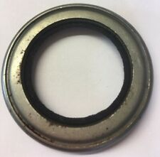 RILEY RM 1 1/2 LITRE 1949 TO 1954 REAR HUB OIL SEAL (EM378)