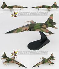HOBBY MASTER HA3328 Northrop F-5E Tiger II Red 10 Soviet Union ex-VNAF 1970 1:72