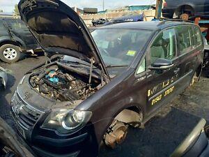2009 VW Touran 1.9 Diesel 5 Door Black Wiper Arm (Car Breaking 4 Parts)