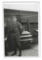 Foto, Soldat in Uniform, Mütze, Abzeichen,