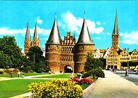 Hansestadt Lübeck , Blick auf St. Marien, Holstentor .. , ungel. Ansichtskarte